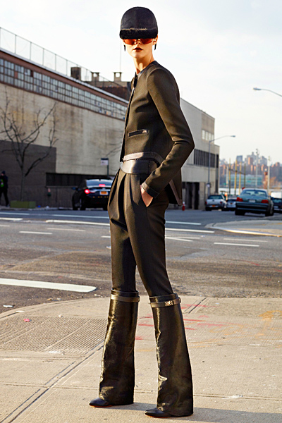 Givenchy - Women's Ready-to-Wear - 2012 Pre-Fall