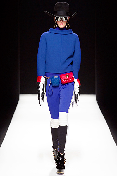 Moschino - Women's Ready-to-Wear - 2012 Fall-Winter