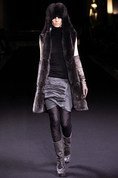 Rick Owens - Women's Ready-to-Wear - 2010 Fall-Winter