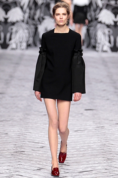 Viktor&Rolf - Women's Ready-to-Wear - 2013 Fall-Winter